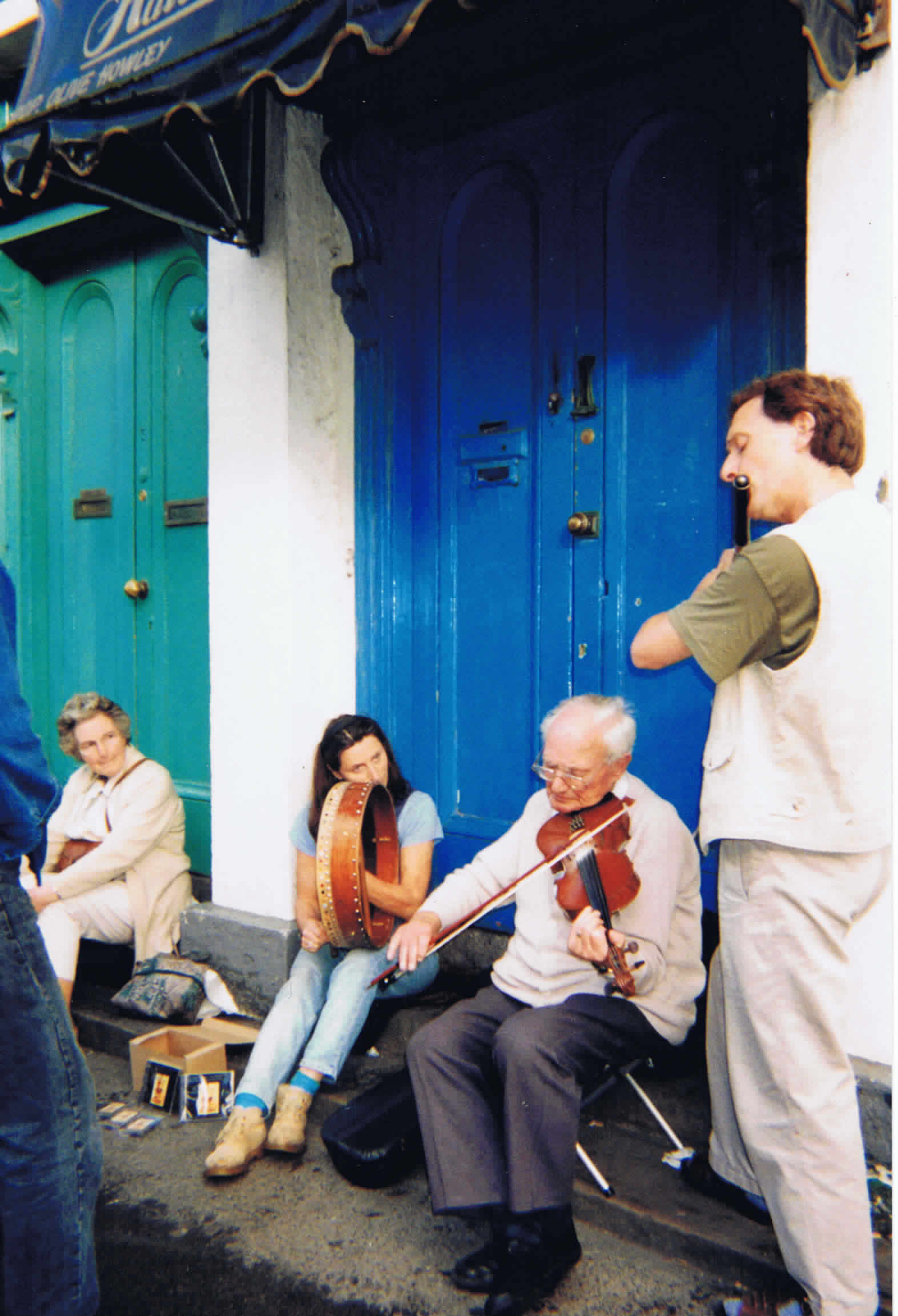 Sean, Kevin and Irene at a street session in the Fleadh Ceoil Ballina, 1997